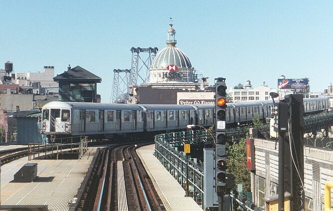 (99k, 668x423)<br><b>Country:</b> United States<br><b>City:</b> New York<br><b>System:</b> New York City Transit<br><b>Line:</b> BMT Nassau Street/Jamaica Line<br><b>Location:</b> Marcy Avenue <br><b>Photo by:</b> IRTSubwaypix<br><b>Date:</b> 3/2003<br><b>Viewed (this week/total):</b> 0 / 3740