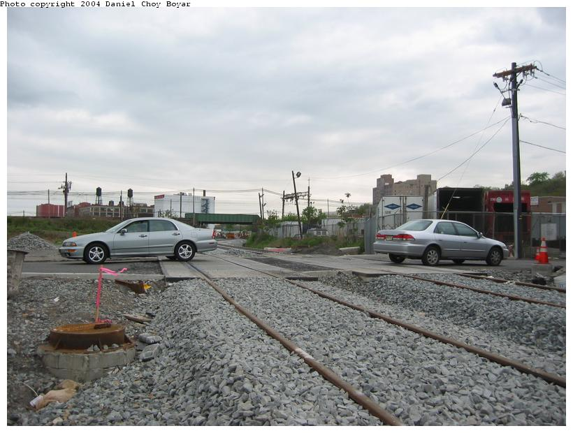 (89k, 820x620)<br><b>Country:</b> United States<br><b>City:</b> Hoboken, NJ<br><b>System:</b> Hudson Bergen Light Rail<br><b>Location:</b> Between Hoboken Wye and Paterson Ave. <br><b>Photo by:</b> Daniel C. Boyar<br><b>Date:</b> 5/16/2003<br><b>Notes:</b> New HBLR grade crossing on Observer Hwy (facing south)<br><b>Viewed (this week/total):</b> 0 / 1793