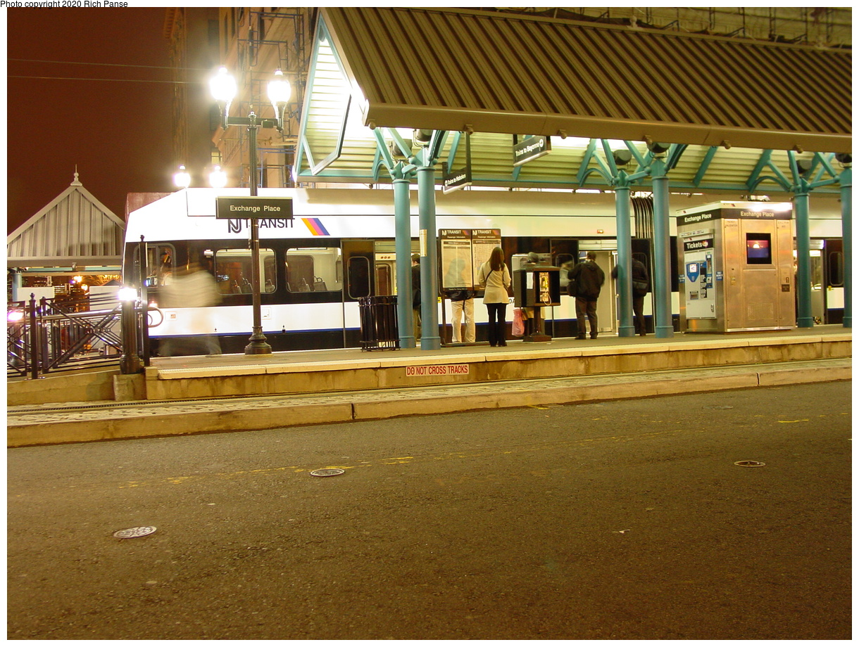(97k, 820x620)<br><b>Country:</b> United States<br><b>City:</b> Jersey City, NJ<br><b>System:</b> Hudson Bergen Light Rail<br><b>Location:</b> Exchange Place <br><b>Photo by:</b> Richard Panse<br><b>Date:</b> 10/28/2003<br><b>Viewed (this week/total):</b> 0 / 2664
