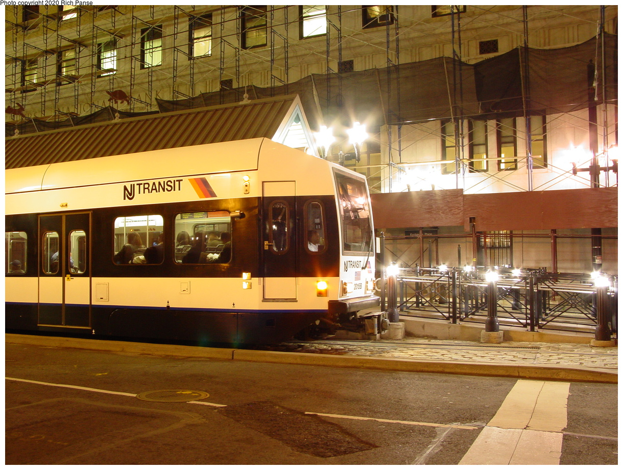 (95k, 820x620)<br><b>Country:</b> United States<br><b>City:</b> Jersey City, NJ<br><b>System:</b> Hudson Bergen Light Rail<br><b>Location:</b> Exchange Place <br><b>Photo by:</b> Richard Panse<br><b>Date:</b> 10/28/2003<br><b>Viewed (this week/total):</b> 1 / 2444