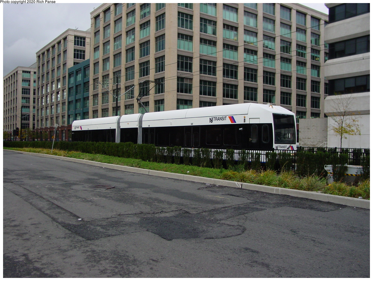 (94k, 820x620)<br><b>Country:</b> United States<br><b>City:</b> Jersey City, NJ<br><b>System:</b> Hudson Bergen Light Rail<br><b>Location:</b> Harborside <br><b>Photo by:</b> Richard Panse<br><b>Date:</b> 10/29/2003<br><b>Viewed (this week/total):</b> 0 / 2303