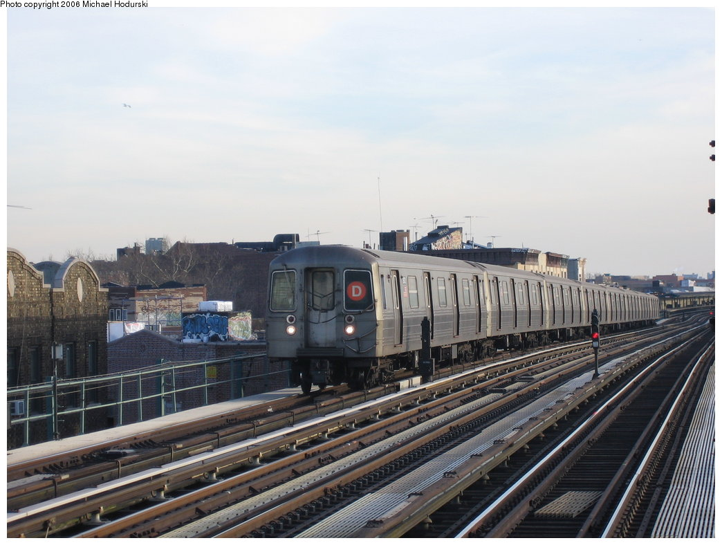 (167k, 1044x788)<br><b>Country:</b> United States<br><b>City:</b> New York<br><b>System:</b> New York City Transit<br><b>Line:</b> BMT West End Line<br><b>Location:</b> 50th Street <br><b>Route:</b> D<br><b>Car:</b> R-68 (Westinghouse-Amrail, 1986-1988)  2572 <br><b>Photo by:</b> Michael Hodurski<br><b>Date:</b> 3/8/2006<br><b>Viewed (this week/total):</b> 2 / 2082