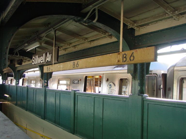 (63k, 768x576)<br><b>Country:</b> United States<br><b>City:</b> New York<br><b>System:</b> New York City Transit<br><b>Location:</b> Coney Island/Stillwell Avenue<br><b>Photo by:</b> Richard Panse<br><b>Date:</b> 2/2004<br><b>Notes:</b> Views of Old Stillwell before reconstruction<br><b>Viewed (this week/total):</b> 0 / 2734