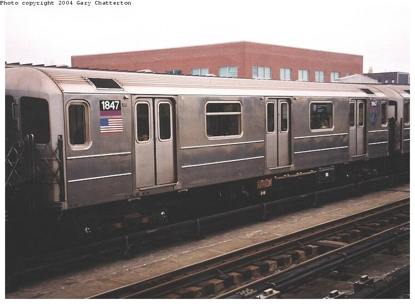 (66k, 820x602)<br><b>Country:</b> United States<br><b>City:</b> New York<br><b>System:</b> New York City Transit<br><b>Line:</b> IRT Flushing Line<br><b>Location:</b> 46th Street/Bliss Street <br><b>Route:</b> 7<br><b>Car:</b> R-62A (Bombardier, 1984-1987)  1847 <br><b>Photo by:</b> Gary Chatterton<br><b>Date:</b> 11/18/2003<br><b>Viewed (this week/total):</b> 1 / 2388