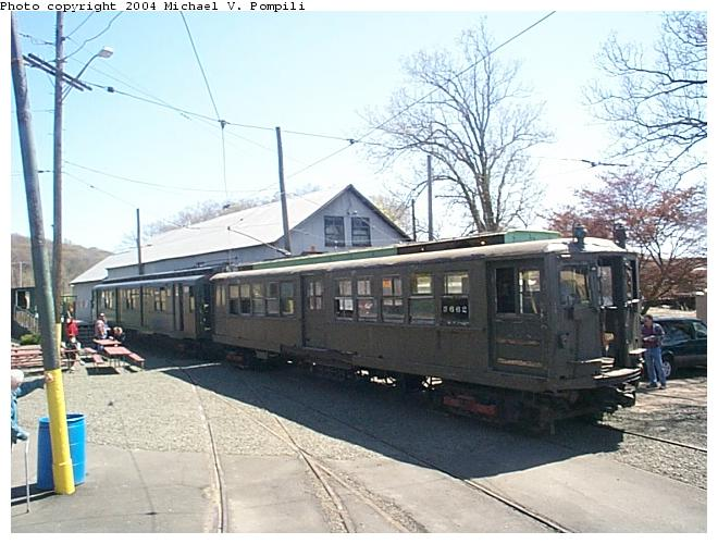 (85k, 660x500)<br><b>Country:</b> United States<br><b>City:</b> East Haven/Branford, Ct.<br><b>System:</b> Shore Line Trolley Museum <br><b>Car:</b> Hi-V 3662 <br><b>Photo by:</b> Michael Pompili<br><b>Date:</b> 4/28/2001<br><b>Viewed (this week/total):</b> 3 / 7489