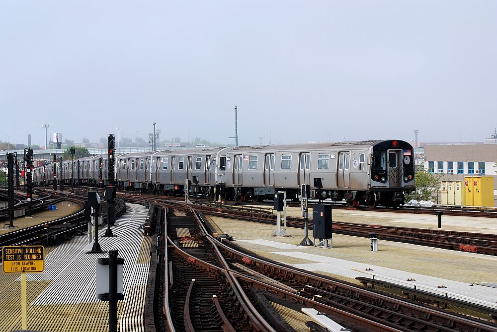 (154k, 1000x669)<br><b>Country:</b> United States<br><b>City:</b> New York<br><b>System:</b> New York City Transit<br><b>Location:</b> Coney Island/Stillwell Avenue<br><b>Route:</b> N<br><b>Car:</b> R-160A/R-160B Series (Number Unknown)  <br><b>Photo by:</b> Richard Chase<br><b>Date:</b> 5/16/2009<br><b>Viewed (this week/total):</b> 0 / 570