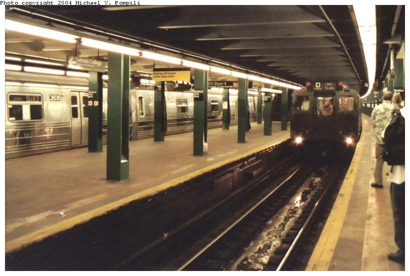 (81k, 820x553)<br><b>Country:</b> United States<br><b>City:</b> New York<br><b>System:</b> New York City Transit<br><b>Line:</b> IND Concourse Line<br><b>Location:</b> Bedford Park Boulevard <br><b>Route:</b> Fan Trip<br><b>Car:</b> R-4 (American Car & Foundry, 1932-1933) 484 <br><b>Photo by:</b> Michael Pompili<br><b>Date:</b> 8/24/2003<br><b>Viewed (this week/total):</b> 2 / 4349