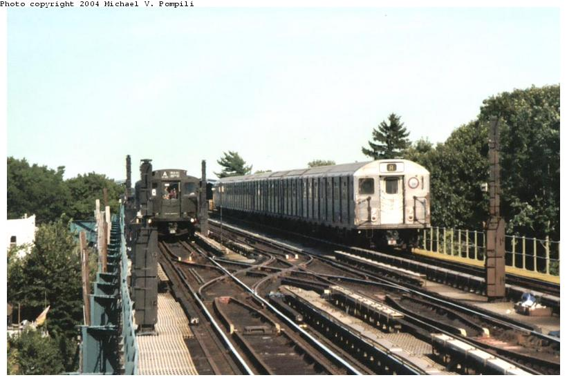 (83k, 820x553)<br><b>Country:</b> United States<br><b>City:</b> New York<br><b>System:</b> New York City Transit<br><b>Line:</b> IND Fulton Street Line<br><b>Location:</b> 80th Street/Hudson Street <br><b>Route:</b> Fan Trip<br><b>Car:</b> R-4 (American Car & Foundry, 1932-1933) 484 <br><b>Photo by:</b> Michael Pompili<br><b>Date:</b> 8/24/2003<br><b>Viewed (this week/total):</b> 2 / 3500