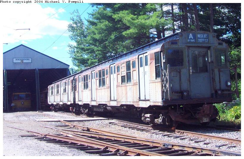 (114k, 820x534)<br><b>Country:</b> United States<br><b>City:</b> Kennebunk, ME<br><b>System:</b> Seashore Trolley Museum <br><b>Car:</b> R-4 (American Car & Foundry, 1932-1933) 800 <br><b>Photo by:</b> Michael Pompili<br><b>Date:</b> 9/1/2001<br><b>Viewed (this week/total):</b> 2 / 4019