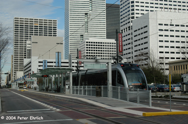 (162k, 720x478)<br><b>Country:</b> United States<br><b>City:</b> Houston, TX<br><b>System:</b> Houston METRORail<br><b>Location:</b> Approaching Bell Station <br><b>Car:</b> Siemens Avanto 102 <br><b>Photo by:</b> Peter Ehrlich<br><b>Date:</b> 2/5/2004<br><b>Viewed (this week/total):</b> 2 / 3755