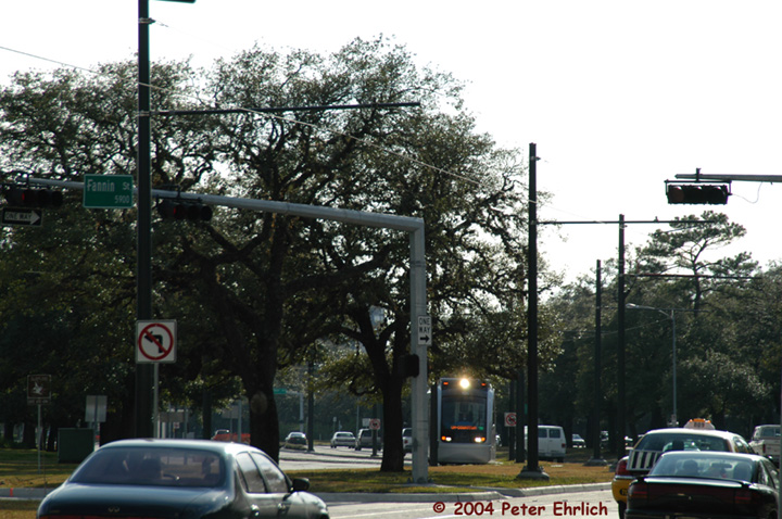 (167k, 720x478)<br><b>Country:</b> United States<br><b>City:</b> Houston, TX<br><b>System:</b> Houston METRORail<br><b>Location:</b> Hermann Park & Golf Course Drive <br><b>Car:</b> Siemens Avanto 105 <br><b>Photo by:</b> Peter Ehrlich<br><b>Date:</b> 2/5/2004<br><b>Viewed (this week/total):</b> 1 / 2040