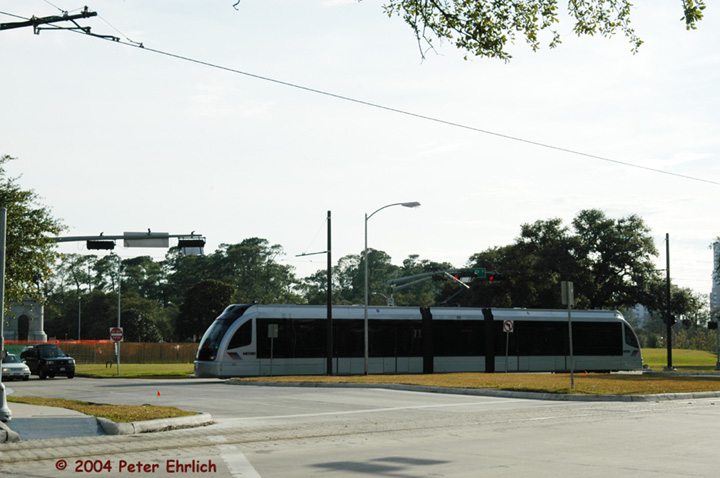 (116k, 720x478)<br><b>Country:</b> United States<br><b>City:</b> Houston, TX<br><b>System:</b> Houston METRORail<br><b>Location:</b> Hermann Park & Golf Course Drive <br><b>Car:</b> Siemens Avanto 105 <br><b>Photo by:</b> Peter Ehrlich<br><b>Date:</b> 2/5/2004<br><b>Viewed (this week/total):</b> 1 / 2673