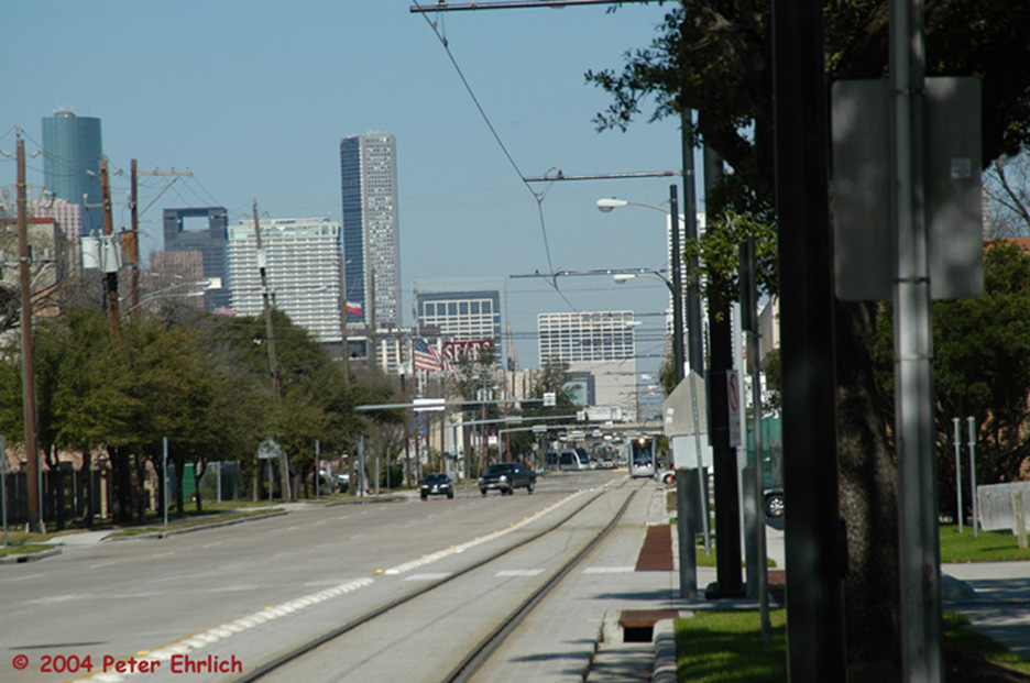 (195k, 936x621)<br><b>Country:</b> United States<br><b>City:</b> Houston, TX<br><b>System:</b> Houston METRORail<br><b>Location:</b> Fannin & Southmore <br><b>Car:</b> Siemens Avanto 106 <br><b>Photo by:</b> Peter Ehrlich<br><b>Date:</b> 2/6/2004<br><b>Viewed (this week/total):</b> 1 / 3438