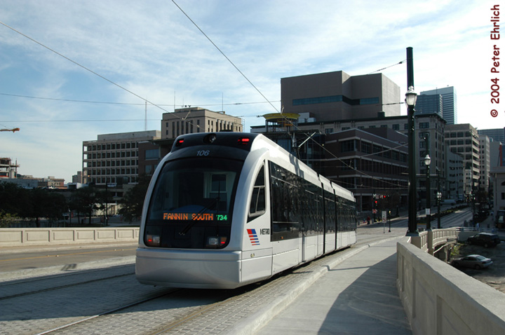 (125k, 720x478)<br><b>Country:</b> United States<br><b>City:</b> Houston, TX<br><b>System:</b> Houston METRORail<br><b>Location:</b> South of UH-Downtown <br><b>Car:</b> Siemens Avanto 106 <br><b>Photo by:</b> Peter Ehrlich<br><b>Date:</b> 2/6/2004<br><b>Notes:</b> Facing Commerce Street<br><b>Viewed (this week/total):</b> 7 / 8417