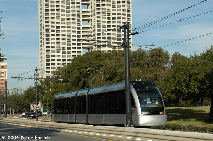 (175k, 720x478)<br><b>Country:</b> United States<br><b>City:</b> Houston, TX<br><b>System:</b> Houston METRORail<br><b>Location:</b> Hermann Park & Golf Course Drive <br><b>Car:</b> Siemens Avanto 107 <br><b>Photo by:</b> Peter Ehrlich<br><b>Date:</b> 2/5/2004<br><b>Viewed (this week/total):</b> 5 / 2440