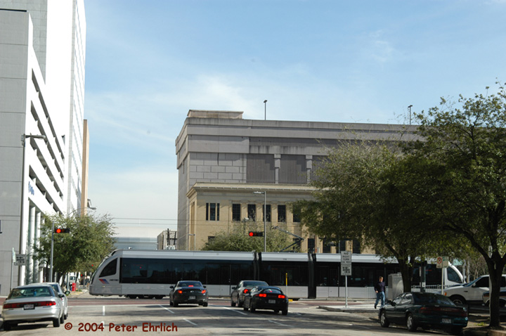 (128k, 720x478)<br><b>Country:</b> United States<br><b>City:</b> Houston, TX<br><b>System:</b> Houston METRORail<br><b>Location:</b> Main & Clay <br><b>Car:</b> Siemens Avanto 114 <br><b>Photo by:</b> Peter Ehrlich<br><b>Date:</b> 2/5/2004<br><b>Viewed (this week/total):</b> 0 / 4082