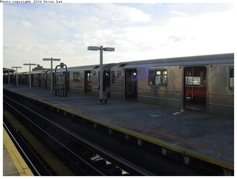 (54k, 820x620)<br><b>Country:</b> United States<br><b>City:</b> New York<br><b>System:</b> New York City Transit<br><b>Line:</b> IRT Flushing Line<br><b>Location:</b> Junction Boulevard <br><b>Route:</b> 7<br><b>Car:</b> R-62A (Bombardier, 1984-1987)  2020 <br><b>Photo by:</b> Kevin Lee<br><b>Date:</b> 12/26/2003<br><b>Viewed (this week/total):</b> 0 / 3449