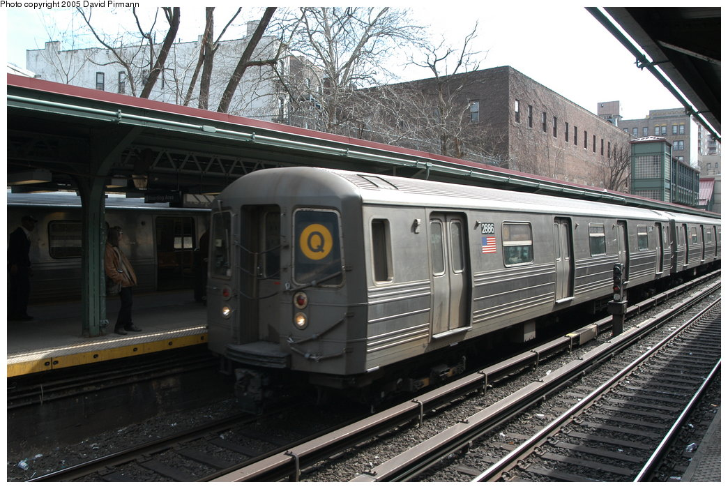 (238k, 1044x701)<br><b>Country:</b> United States<br><b>City:</b> New York<br><b>System:</b> New York City Transit<br><b>Line:</b> BMT Brighton Line<br><b>Location:</b> Prospect Park <br><b>Route:</b> Q<br><b>Car:</b> R-68 (Westinghouse-Amrail, 1986-1988)  2886 <br><b>Photo by:</b> David Pirmann<br><b>Date:</b> 2/29/2004<br><b>Viewed (this week/total):</b> 0 / 3032