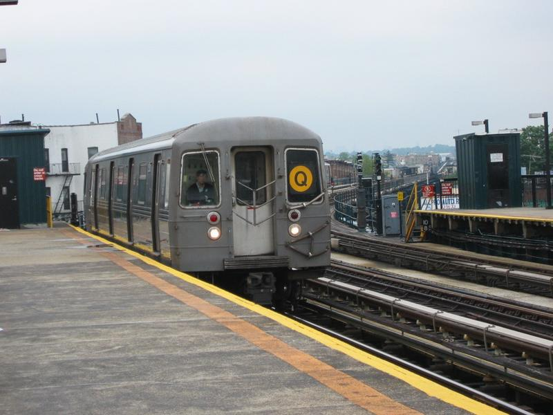 (70k, 800x600)<br><b>Country:</b> United States<br><b>City:</b> New York<br><b>System:</b> New York City Transit<br><b>Line:</b> BMT West End Line<br><b>Location:</b> 18th Avenue <br><b>Route:</b> Q<br><b>Car:</b> R-68/R-68A Series (Number Unknown)  <br><b>Photo by:</b> Mike DiMeglio<br><b>Date:</b> 6/15/2002<br><b>Viewed (this week/total):</b> 2 / 4251