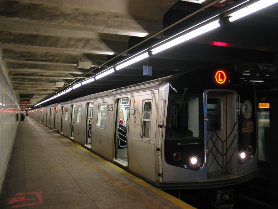 (88k, 909x682)<br><b>Country:</b> United States<br><b>City:</b> New York<br><b>System:</b> New York City Transit<br><b>Line:</b> BMT Canarsie Line<br><b>Location:</b> Graham Avenue <br><b>Route:</b> L<br><b>Car:</b> R-143 (Kawasaki, 2001-2002) 8193 <br><b>Photo by:</b> Brian Weinberg<br><b>Date:</b> 3/10/2004<br><b>Viewed (this week/total):</b> 0 / 4501