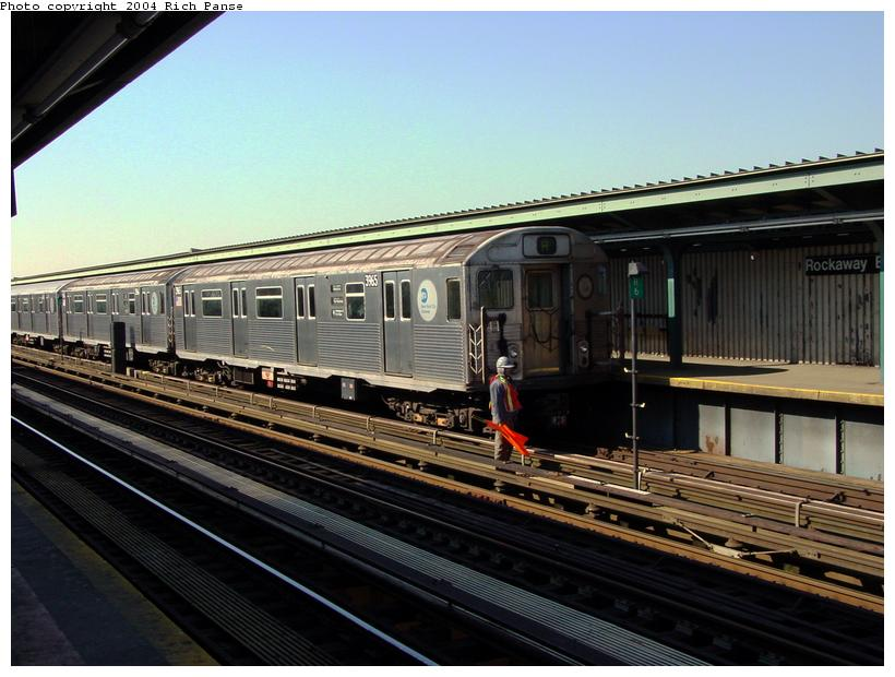 (88k, 820x620)<br><b>Country:</b> United States<br><b>City:</b> New York<br><b>System:</b> New York City Transit<br><b>Line:</b> IND Fulton Street Line<br><b>Location:</b> Rockaway Boulevard <br><b>Route:</b> A<br><b>Car:</b> R-38 (St. Louis, 1966-1967)  3965 <br><b>Photo by:</b> Richard Panse<br><b>Date:</b> 2/10/2004<br><b>Viewed (this week/total):</b> 4 / 2864