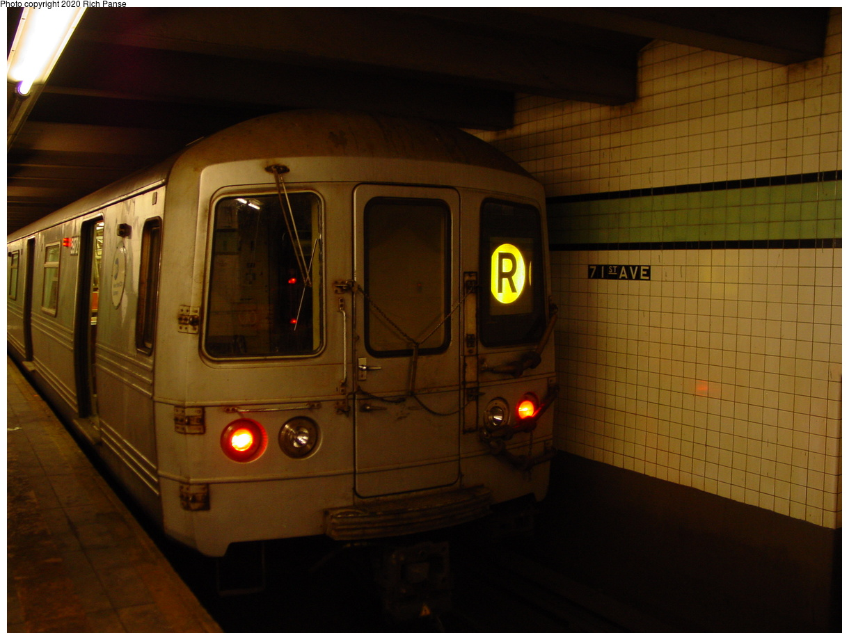 (57k, 820x620)<br><b>Country:</b> United States<br><b>City:</b> New York<br><b>System:</b> New York City Transit<br><b>Line:</b> IND Queens Boulevard Line<br><b>Location:</b> 71st/Continental Aves./Forest Hills <br><b>Route:</b> R<br><b>Car:</b> R-46 (Pullman-Standard, 1974-75) 5972 <br><b>Photo by:</b> Richard Panse<br><b>Date:</b> 2/4/2004<br><b>Viewed (this week/total):</b> 1 / 3791