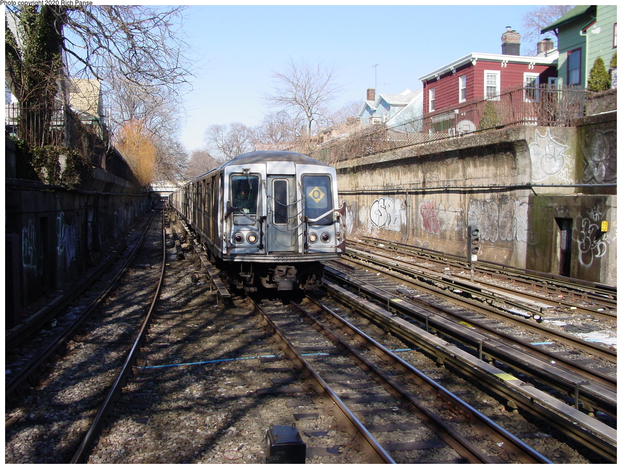 (124k, 820x620)<br><b>Country:</b> United States<br><b>City:</b> New York<br><b>System:</b> New York City Transit<br><b>Line:</b> BMT Brighton Line<br><b>Location:</b> Newkirk Plaza (fmrly Newkirk Ave.) <br><b>Route:</b> Q<br><b>Car:</b> R-40 (St. Louis, 1968)   <br><b>Photo by:</b> Richard Panse<br><b>Date:</b> 2/4/2004<br><b>Viewed (this week/total):</b> 1 / 4520