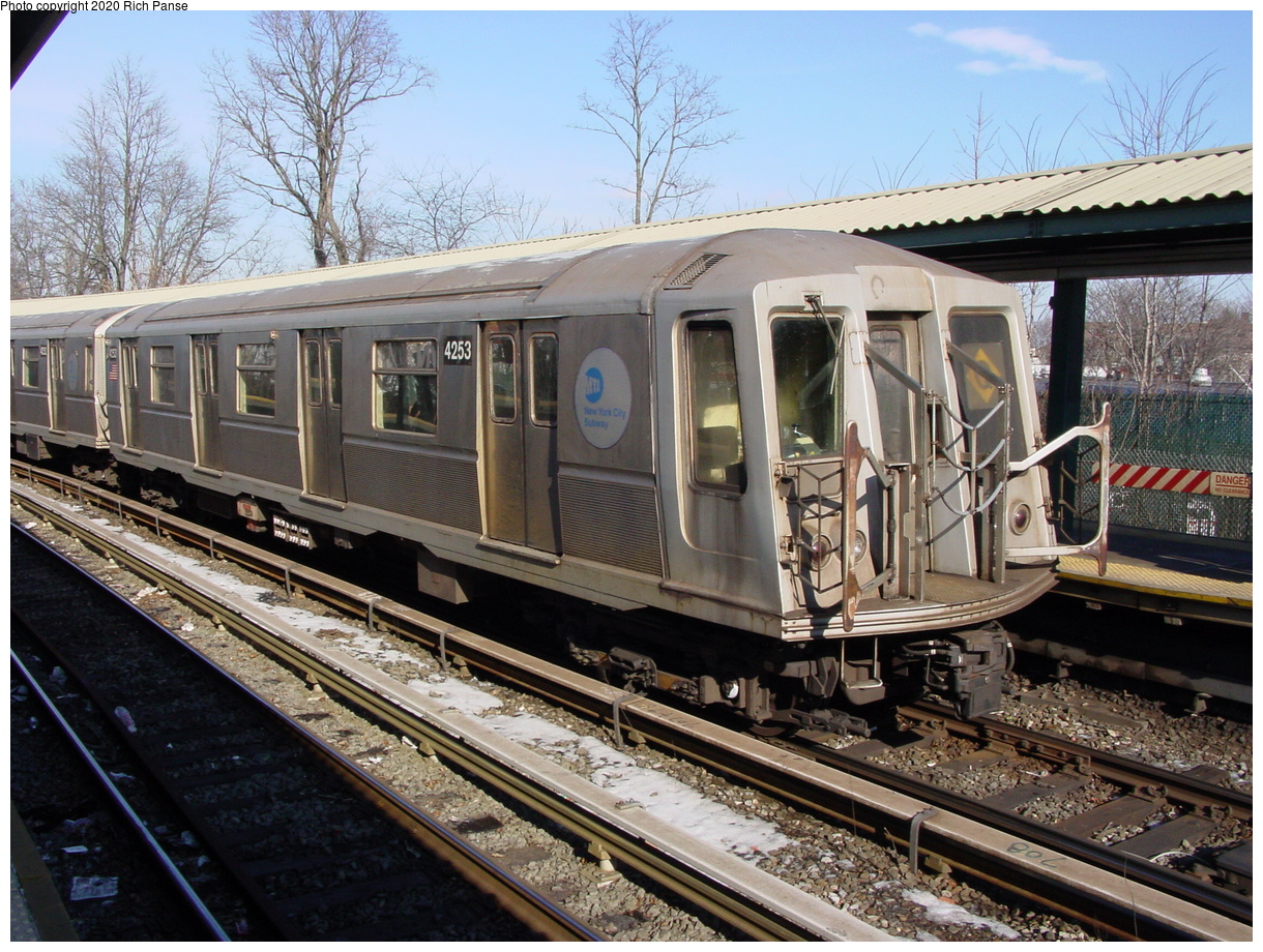 (108k, 820x620)<br><b>Country:</b> United States<br><b>City:</b> New York<br><b>System:</b> New York City Transit<br><b>Line:</b> BMT Brighton Line<br><b>Location:</b> Sheepshead Bay <br><b>Route:</b> Q<br><b>Car:</b> R-40 (St. Louis, 1968)  4253 <br><b>Photo by:</b> Richard Panse<br><b>Date:</b> 2/4/2004<br><b>Viewed (this week/total):</b> 3 / 2599