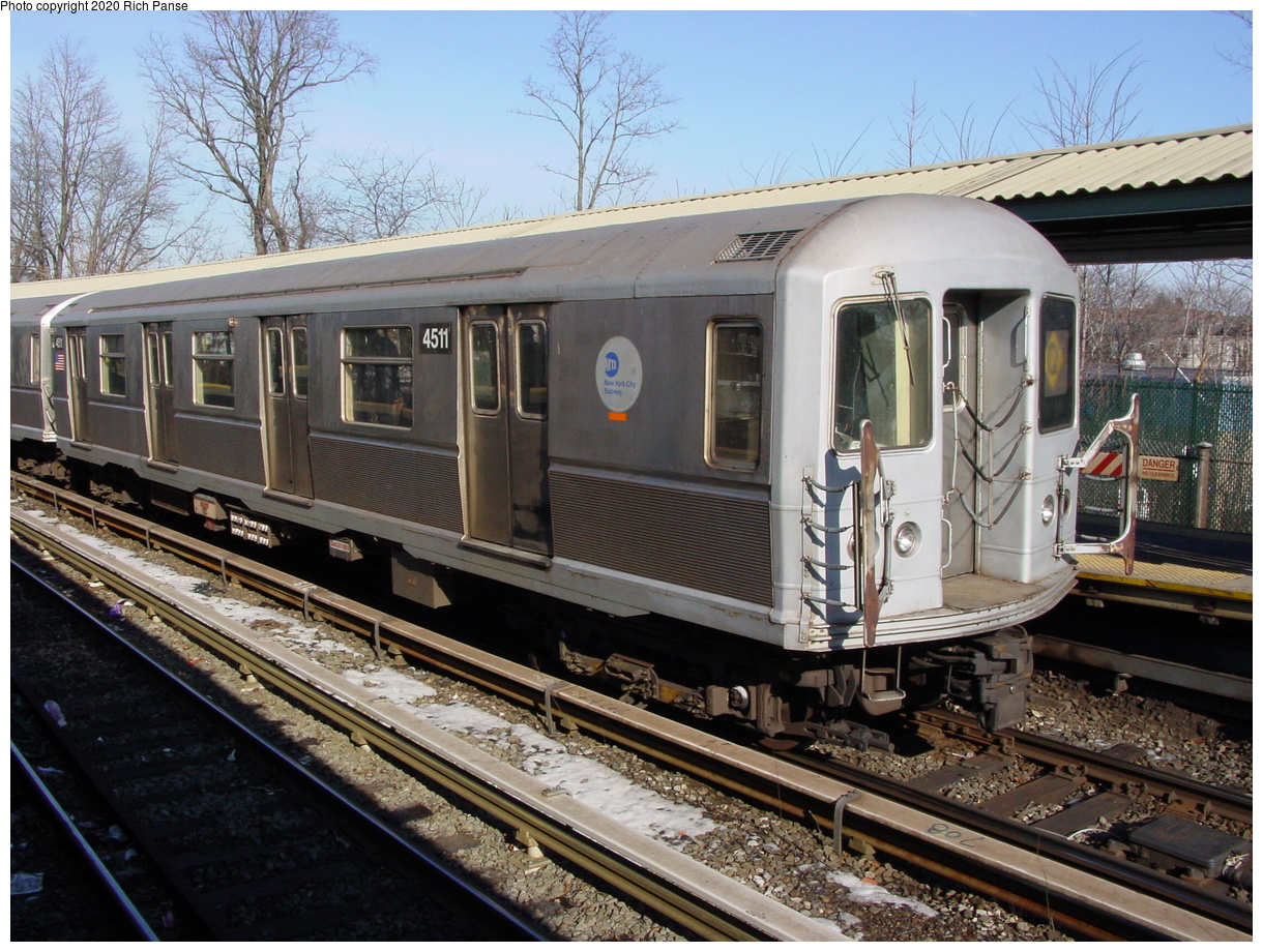 (103k, 820x620)<br><b>Country:</b> United States<br><b>City:</b> New York<br><b>System:</b> New York City Transit<br><b>Line:</b> BMT Brighton Line<br><b>Location:</b> Sheepshead Bay <br><b>Route:</b> Q<br><b>Car:</b> R-40M (St. Louis, 1969)  4511 <br><b>Photo by:</b> Richard Panse<br><b>Date:</b> 2/4/2004<br><b>Viewed (this week/total):</b> 0 / 2873