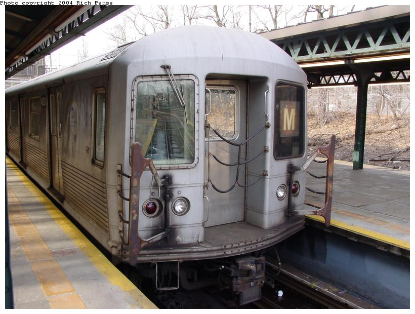 (90k, 820x620)<br><b>Country:</b> United States<br><b>City:</b> New York<br><b>System:</b> New York City Transit<br><b>Line:</b> BMT West End Line<br><b>Location:</b> 9th Avenue <br><b>Route:</b> M<br><b>Car:</b> R-42 (St. Louis, 1969-1970)  4828 <br><b>Photo by:</b> Richard Panse<br><b>Date:</b> 2/9/2004<br><b>Viewed (this week/total):</b> 0 / 2858