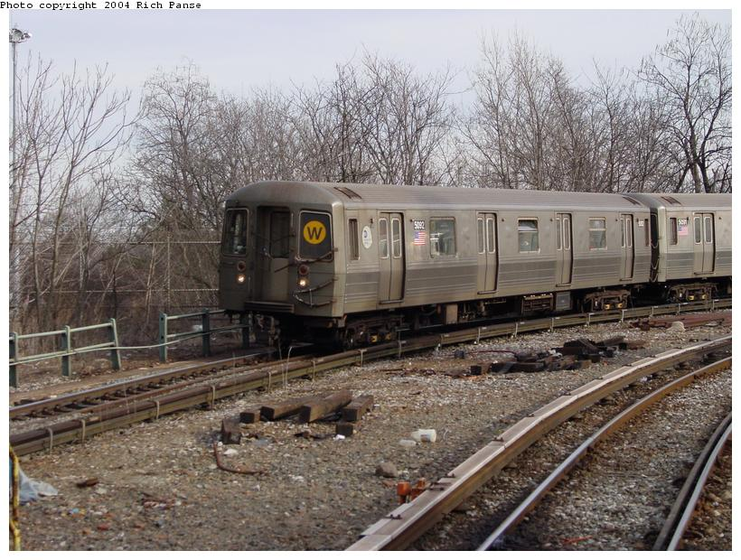 (119k, 820x620)<br><b>Country:</b> United States<br><b>City:</b> New York<br><b>System:</b> New York City Transit<br><b>Line:</b> BMT West End Line<br><b>Location:</b> 9th Avenue <br><b>Route:</b> W<br><b>Car:</b> R-68A (Kawasaki, 1988-1989)  5092 <br><b>Photo by:</b> Richard Panse<br><b>Date:</b> 2/9/2004<br><b>Viewed (this week/total):</b> 3 / 4295