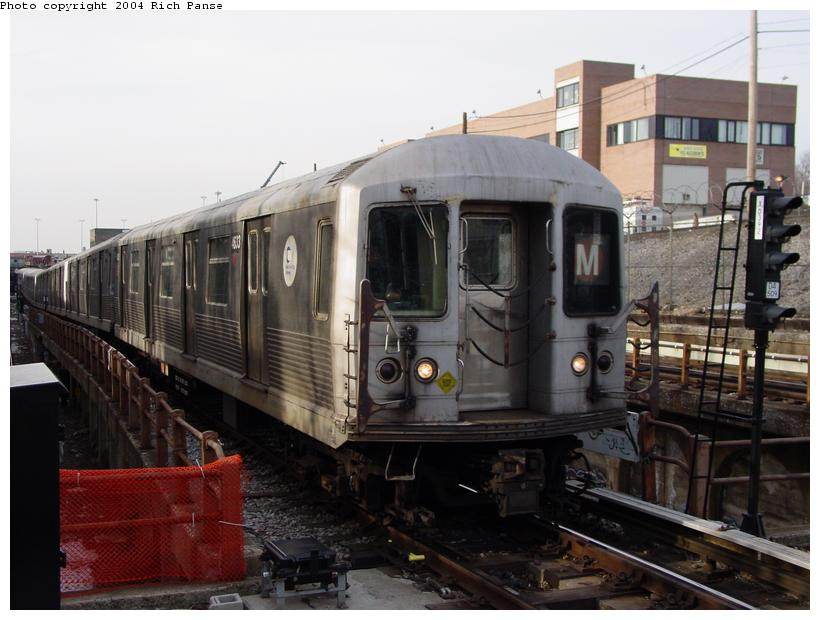 (76k, 820x620)<br><b>Country:</b> United States<br><b>City:</b> New York<br><b>System:</b> New York City Transit<br><b>Line:</b> BMT West End Line<br><b>Location:</b> 9th Avenue <br><b>Route:</b> M<br><b>Car:</b> R-42 (St. Louis, 1969-1970)  4633 <br><b>Photo by:</b> Richard Panse<br><b>Date:</b> 2/9/2004<br><b>Viewed (this week/total):</b> 2 / 3121