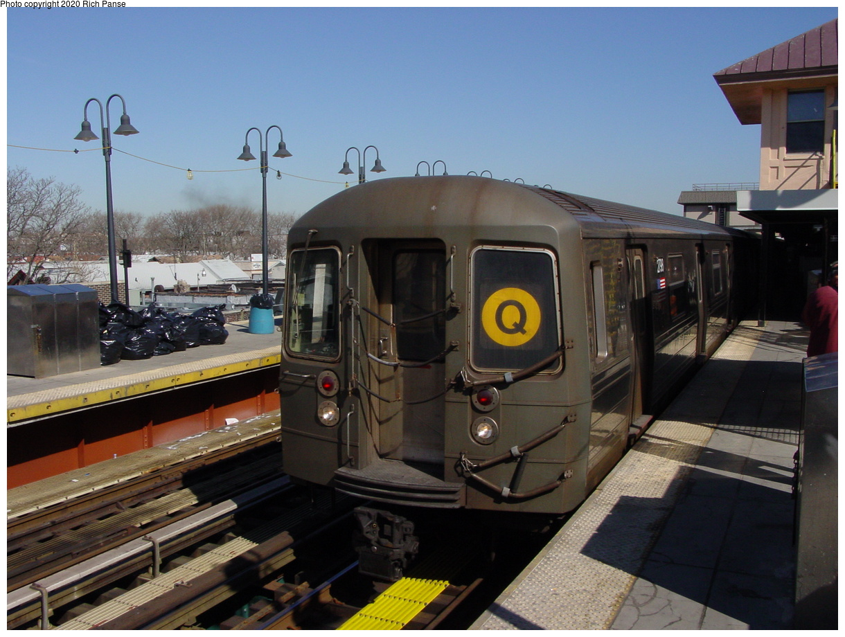 (89k, 820x620)<br><b>Country:</b> United States<br><b>City:</b> New York<br><b>System:</b> New York City Transit<br><b>Line:</b> BMT Brighton Line<br><b>Location:</b> Brighton Beach <br><b>Route:</b> Q<br><b>Car:</b> R-68 (Westinghouse-Amrail, 1986-1988)  2738 <br><b>Photo by:</b> Richard Panse<br><b>Date:</b> 2/28/2004<br><b>Viewed (this week/total):</b> 4 / 3998