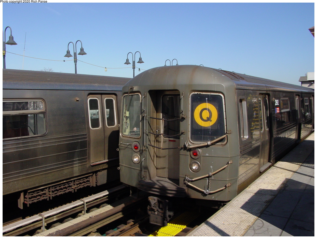 (73k, 820x620)<br><b>Country:</b> United States<br><b>City:</b> New York<br><b>System:</b> New York City Transit<br><b>Line:</b> BMT Brighton Line<br><b>Location:</b> Brighton Beach <br><b>Route:</b> Q<br><b>Car:</b> R-68 (Westinghouse-Amrail, 1986-1988)  2892 <br><b>Photo by:</b> Richard Panse<br><b>Date:</b> 2/28/2004<br><b>Viewed (this week/total):</b> 2 / 3019