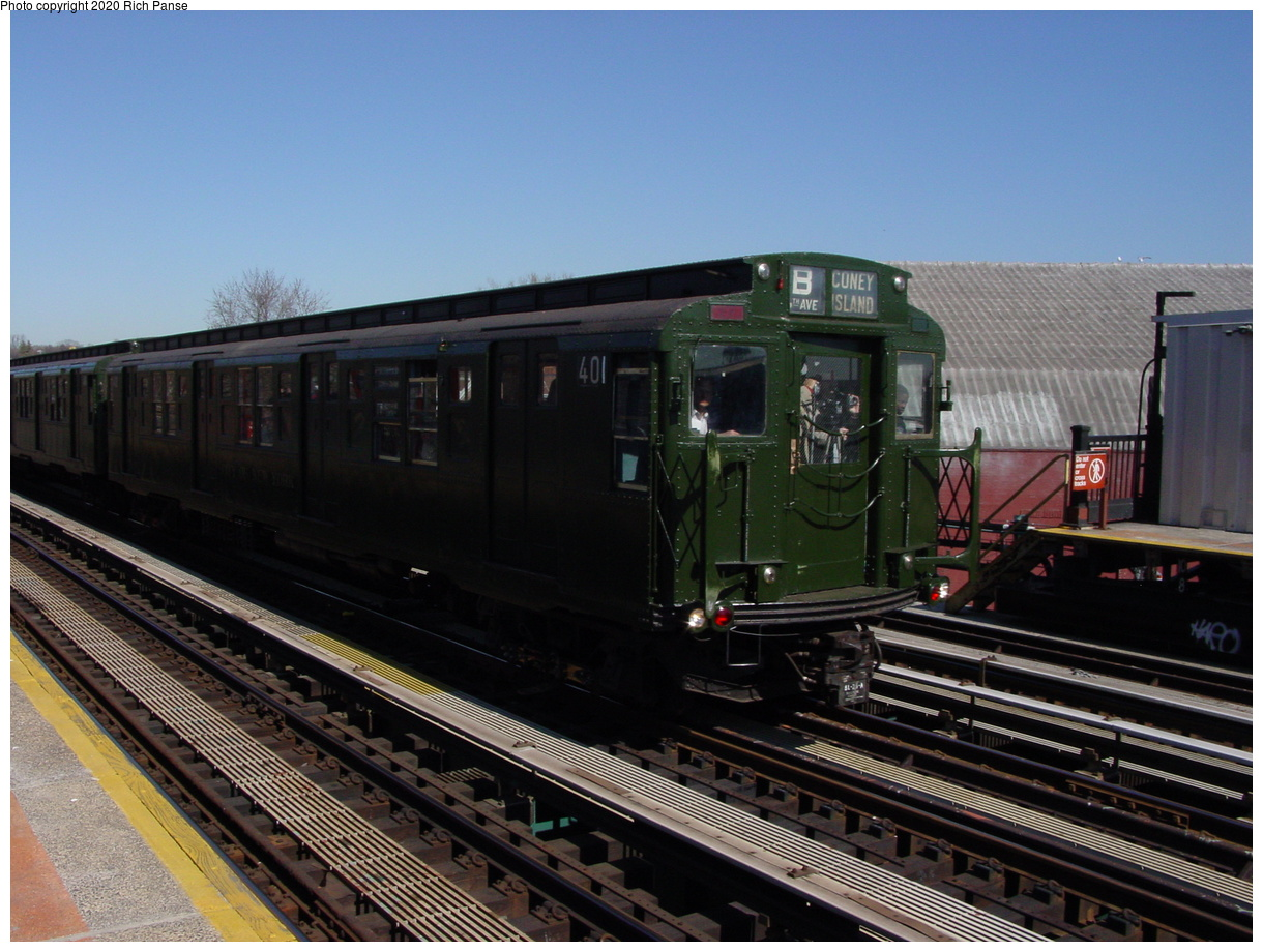 (95k, 820x620)<br><b>Country:</b> United States<br><b>City:</b> New York<br><b>System:</b> New York City Transit<br><b>Line:</b> BMT West End Line<br><b>Location:</b> Fort Hamilton Parkway <br><b>Route:</b> Fan Trip<br><b>Car:</b> R-4 (American Car & Foundry, 1932-1933) 401 <br><b>Photo by:</b> Richard Panse<br><b>Date:</b> 2/28/2004<br><b>Viewed (this week/total):</b> 4 / 3190