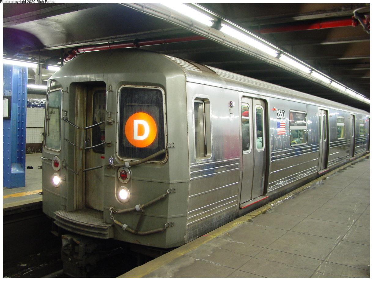(86k, 820x620)<br><b>Country:</b> United States<br><b>City:</b> New York<br><b>System:</b> New York City Transit<br><b>Line:</b> IND 8th Avenue Line<br><b>Location:</b> 59th Street/Columbus Circle <br><b>Route:</b> D<br><b>Car:</b> R-68 (Westinghouse-Amrail, 1986-1988)  2550 <br><b>Photo by:</b> Richard Panse<br><b>Date:</b> 2/28/2004<br><b>Viewed (this week/total):</b> 0 / 4036