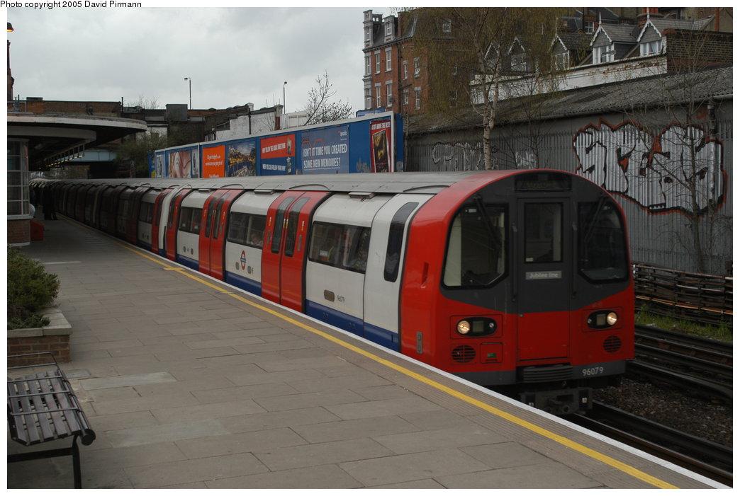 (195k, 1044x701)<br><b>Country:</b> United Kingdom<br><b>City:</b> London<br><b>System:</b> London Underground<br><b>Line:</b> Jubilee<br><b>Location:</b> West Hampstead <br><b>Car:</b> 1996 Tube Stock 96079 <br><b>Photo by:</b> David Pirmann<br><b>Date:</b> 4/3/2004<br><b>Viewed (this week/total):</b> 3 / 3713