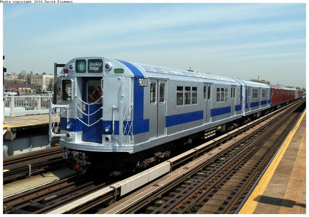 (183k, 1044x735)<br><b>Country:</b> United States<br><b>City:</b> New York<br><b>System:</b> New York City Transit<br><b>Line:</b> IRT Pelham Line<br><b>Location:</b> Zerega Avenue <br><b>Route:</b> Fan Trip<br><b>Car:</b> R-33 Main Line (St. Louis, 1962-63) 9010 <br><b>Photo by:</b> David Pirmann<br><b>Date:</b> 4/17/2004<br><b>Viewed (this week/total):</b> 4 / 6232
