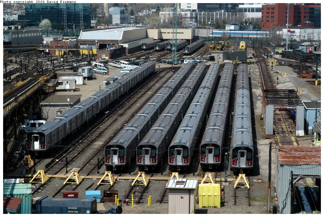 (208k, 1044x701)<br><b>Country:</b> United States<br><b>City:</b> New York<br><b>System:</b> New York City Transit<br><b>Location:</b> Westchester Yard<br><b>Photo by:</b> David Pirmann<br><b>Date:</b> 4/17/2004<br><b>Viewed (this week/total):</b> 0 / 4762