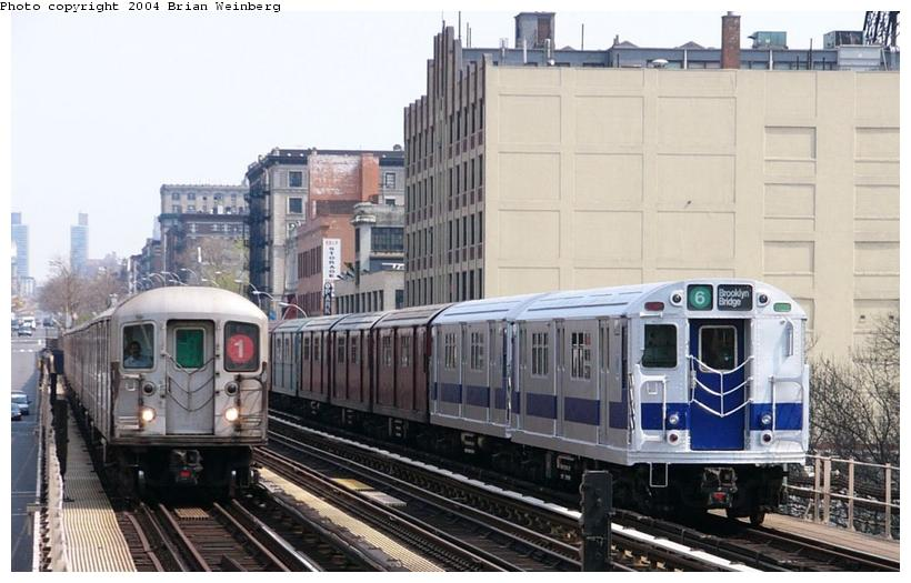 (88k, 820x525)<br><b>Country:</b> United States<br><b>City:</b> New York<br><b>System:</b> New York City Transit<br><b>Line:</b> IRT West Side Line<br><b>Location:</b> 125th Street <br><b>Route:</b> Fan Trip<br><b>Car:</b> R-33 Main Line (St. Louis, 1962-63) 9010 <br><b>Photo by:</b> Brian Weinberg<br><b>Date:</b> 4/18/2004<br><b>Viewed (this week/total):</b> 6 / 3875
