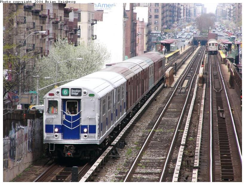 (129k, 820x620)<br><b>Country:</b> United States<br><b>City:</b> New York<br><b>System:</b> New York City Transit<br><b>Line:</b> IRT West Side Line<br><b>Location:</b> 125th Street <br><b>Route:</b> Fan Trip<br><b>Car:</b> R-33 Main Line (St. Louis, 1962-63) 9010 <br><b>Photo by:</b> Brian Weinberg<br><b>Date:</b> 4/18/2004<br><b>Viewed (this week/total):</b> 1 / 4737