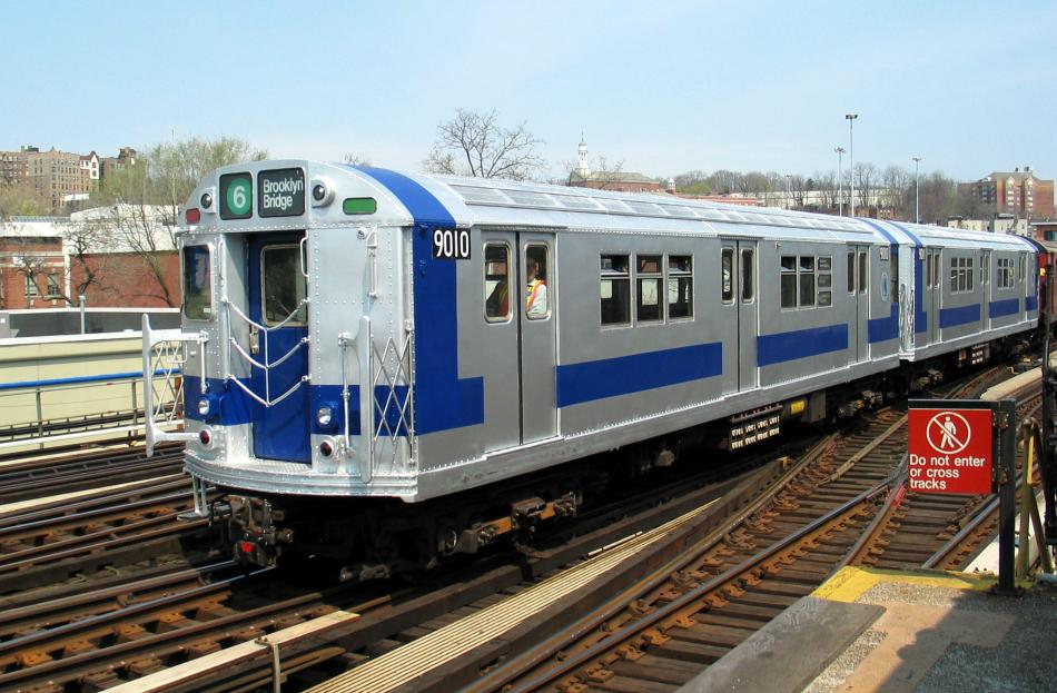 (100k, 950x623)<br><b>Country:</b> United States<br><b>City:</b> New York<br><b>System:</b> New York City Transit<br><b>Line:</b> IRT West Side Line<br><b>Location:</b> 238th Street <br><b>Route:</b> Fan Trip<br><b>Car:</b> R-33 Main Line (St. Louis, 1962-63) 9010 <br><b>Photo by:</b> David of Broadway<br><b>Date:</b> 4/18/2004<br><b>Viewed (this week/total):</b> 5 / 3839