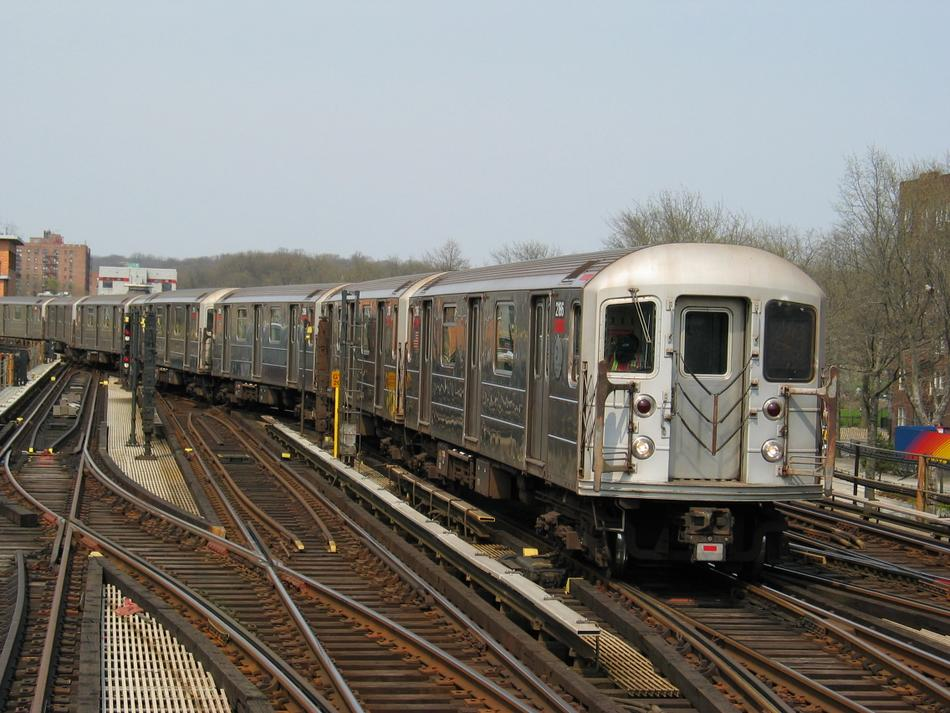 (113k, 950x713)<br><b>Country:</b> United States<br><b>City:</b> New York<br><b>System:</b> New York City Transit<br><b>Line:</b> IRT West Side Line<br><b>Location:</b> 238th Street <br><b>Route:</b> 1<br><b>Car:</b> R-62A (Bombardier, 1984-1987)  2186 <br><b>Photo by:</b> David of Broadway<br><b>Date:</b> 4/18/2004<br><b>Viewed (this week/total):</b> 2 / 2417
