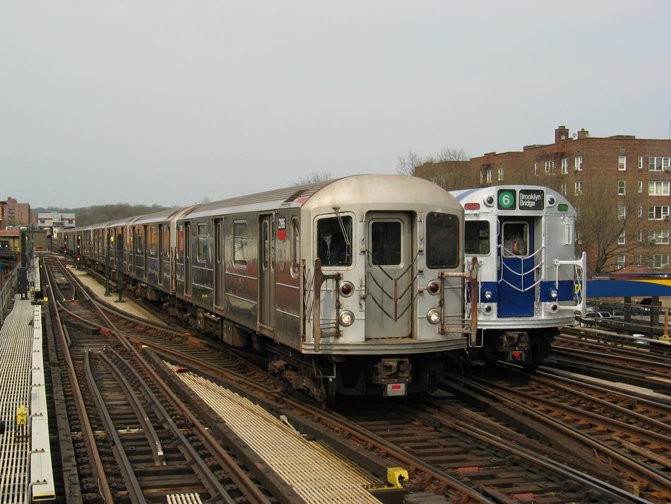 (108k, 950x713)<br><b>Country:</b> United States<br><b>City:</b> New York<br><b>System:</b> New York City Transit<br><b>Line:</b> IRT West Side Line<br><b>Location:</b> 238th Street <br><b>Route:</b> 1<br><b>Car:</b> R-62A (Bombardier, 1984-1987)  2186 <br><b>Photo by:</b> David of Broadway<br><b>Date:</b> 4/18/2004<br><b>Viewed (this week/total):</b> 4 / 2855