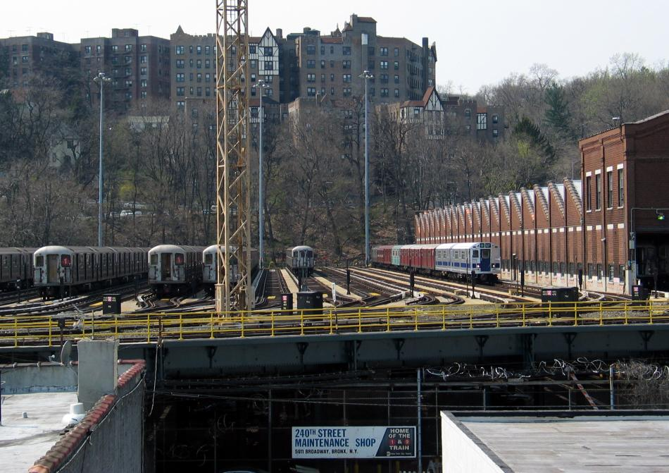 (116k, 950x671)<br><b>Country:</b> United States<br><b>City:</b> New York<br><b>System:</b> New York City Transit<br><b>Location:</b> 240th Street Yard<br><b>Photo by:</b> David of Broadway<br><b>Date:</b> 4/18/2004<br><b>Viewed (this week/total):</b> 0 / 5868