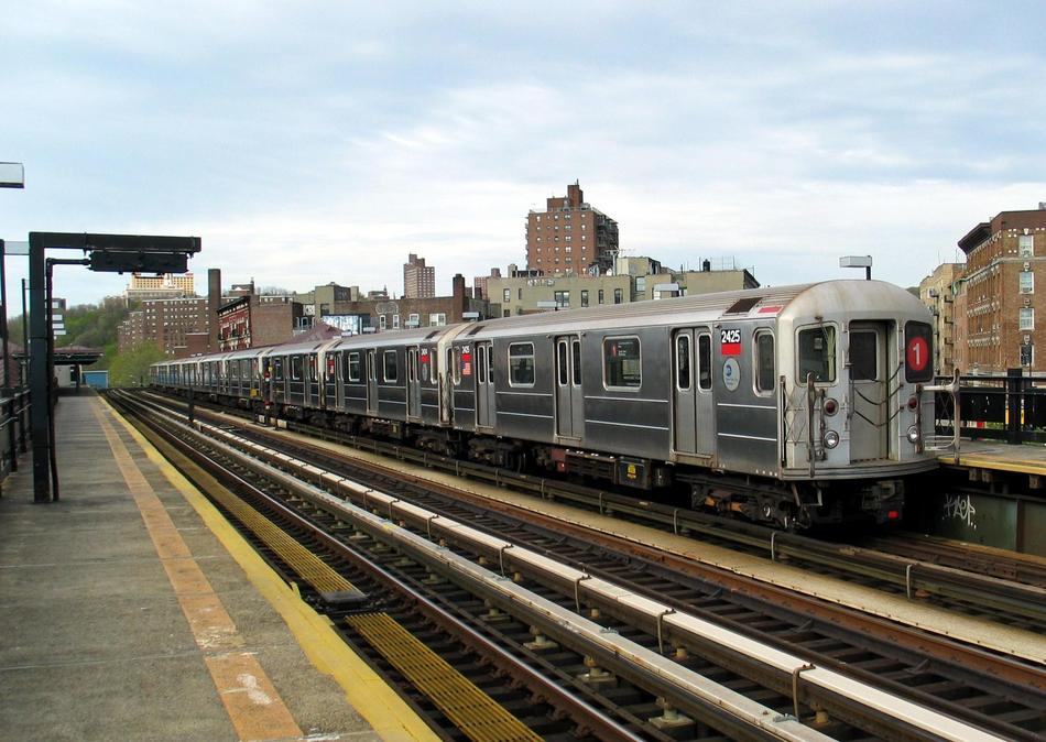(102k, 950x674)<br><b>Country:</b> United States<br><b>City:</b> New York<br><b>System:</b> New York City Transit<br><b>Line:</b> IRT West Side Line<br><b>Location:</b> 207th Street <br><b>Route:</b> 1<br><b>Car:</b> R-62A (Bombardier, 1984-1987)  2425 <br><b>Photo by:</b> David of Broadway<br><b>Date:</b> 4/25/2004<br><b>Viewed (this week/total):</b> 0 / 3002