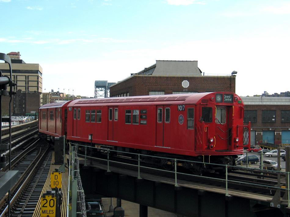 (81k, 950x713)<br><b>Country:</b> United States<br><b>City:</b> New York<br><b>System:</b> New York City Transit<br><b>Line:</b> IRT West Side Line<br><b>Location:</b> 207th Street <br><b>Route:</b> Fan Trip<br><b>Car:</b> R-33 Main Line (St. Louis, 1962-63) 9017 <br><b>Photo by:</b> David of Broadway<br><b>Date:</b> 4/25/2004<br><b>Viewed (this week/total):</b> 2 / 3779