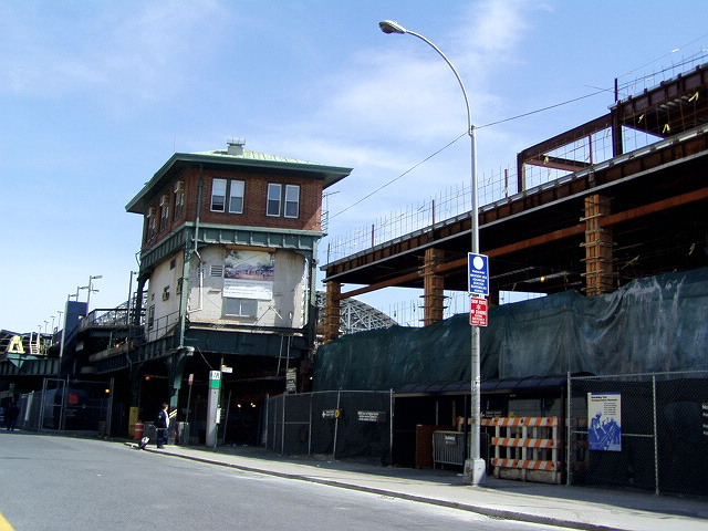 (123k, 640x480)<br><b>Country:</b> United States<br><b>City:</b> New York<br><b>System:</b> New York City Transit<br><b>Location:</b> Coney Island/Stillwell Avenue<br><b>Photo by:</b> Irwin Markowitz<br><b>Date:</b> 4/25/2004<br><b>Viewed (this week/total):</b> 0 / 2027