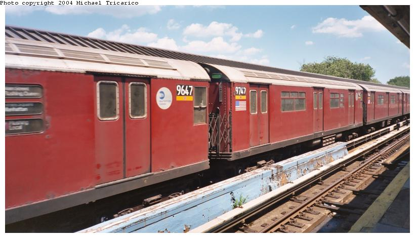 (86k, 820x470)<br><b>Country:</b> United States<br><b>City:</b> New York<br><b>System:</b> New York City Transit<br><b>Line:</b> IRT Flushing Line<br><b>Location:</b> Willets Point/Mets (fmr. Shea Stadium) <br><b>Route:</b> 7<br><b>Car:</b> R-36 World's Fair (St. Louis, 1963-64) 9747 <br><b>Photo by:</b> Michael Tricarico<br><b>Date:</b> 7/12/2003<br><b>Viewed (this week/total):</b> 1 / 2067