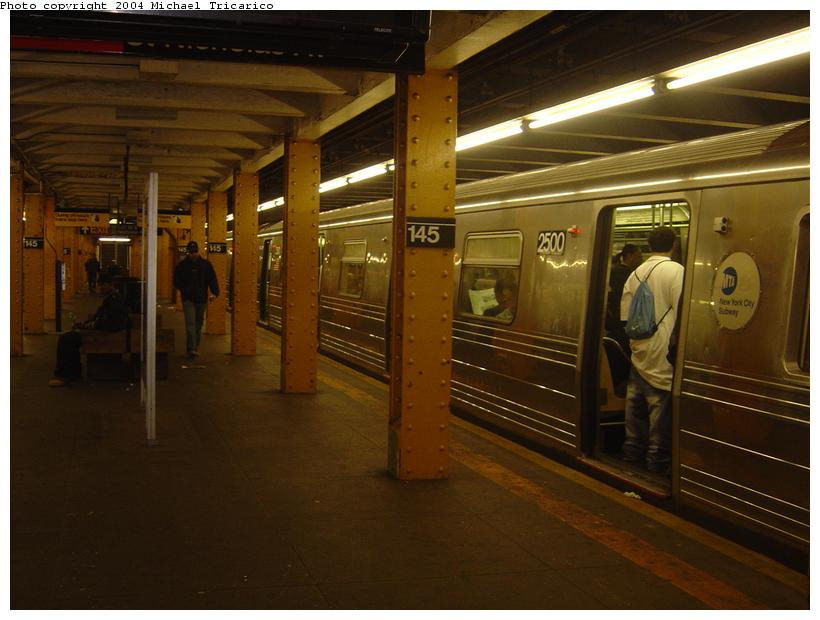 (71k, 820x620)<br><b>Country:</b> United States<br><b>City:</b> New York<br><b>System:</b> New York City Transit<br><b>Line:</b> IND Concourse Line<br><b>Location:</b> 145th Street <br><b>Route:</b> D<br><b>Car:</b> R-68 (Westinghouse-Amrail, 1986-1988)  2500 <br><b>Photo by:</b> Michael Tricarico<br><b>Date:</b> 4/20/2004<br><b>Viewed (this week/total):</b> 4 / 6847